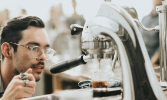 Barista VS Machine In Coffee Industry